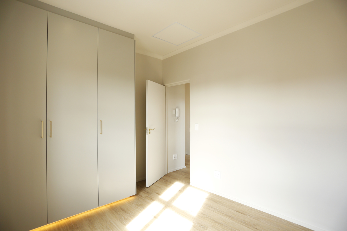white bedroom cupboards led lighting